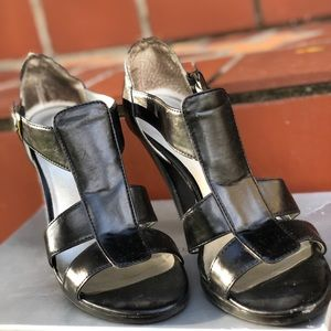 Shoes - Black leather strappy heeled sandals